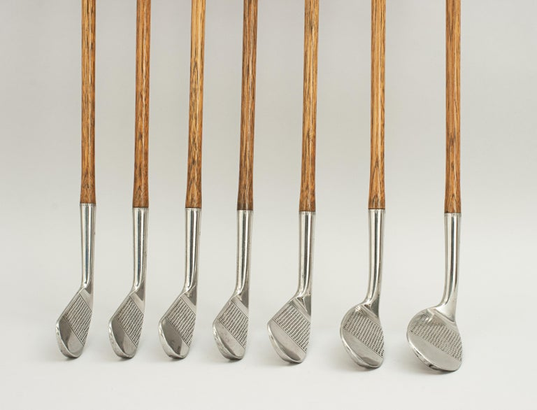 Set of Scottish Vintage Golf Clubs by Nicoll of Leven In Excellent Condition For Sale In Oxfordshire, GB