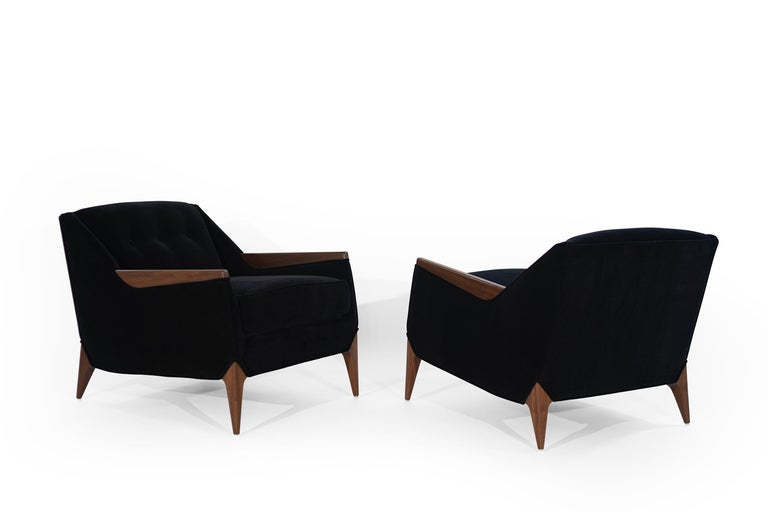 Mid-Century Modern Set of Sculptural Italian Reading Lounges in Mohair, 1950s For Sale