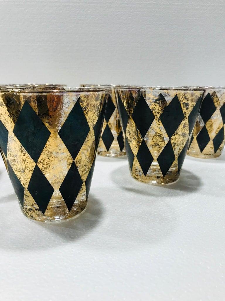 Set of Seven Hollywood Regency Barware Rock Glasses in Gold and Black, 1960s For Sale 5