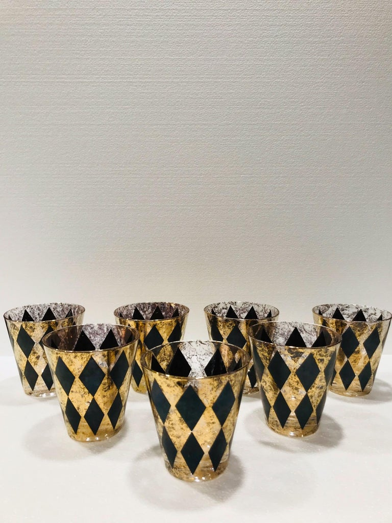 Mid-Century Modern Set of Seven Hollywood Regency Barware Rock Glasses in Gold and Black, 1960s For Sale