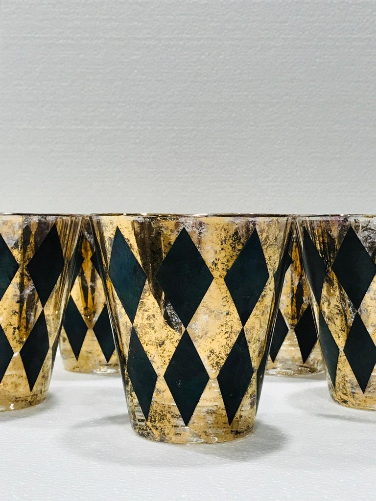Set of Seven Hollywood Regency Barware Rock Glasses in Gold and Black, 1960s In Good Condition For Sale In Fort Lauderdale, FL