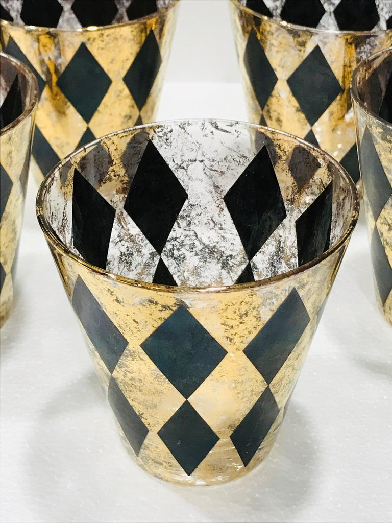Blown Glass Set of Seven Hollywood Regency Barware Rock Glasses in Gold and Black, 1960s For Sale