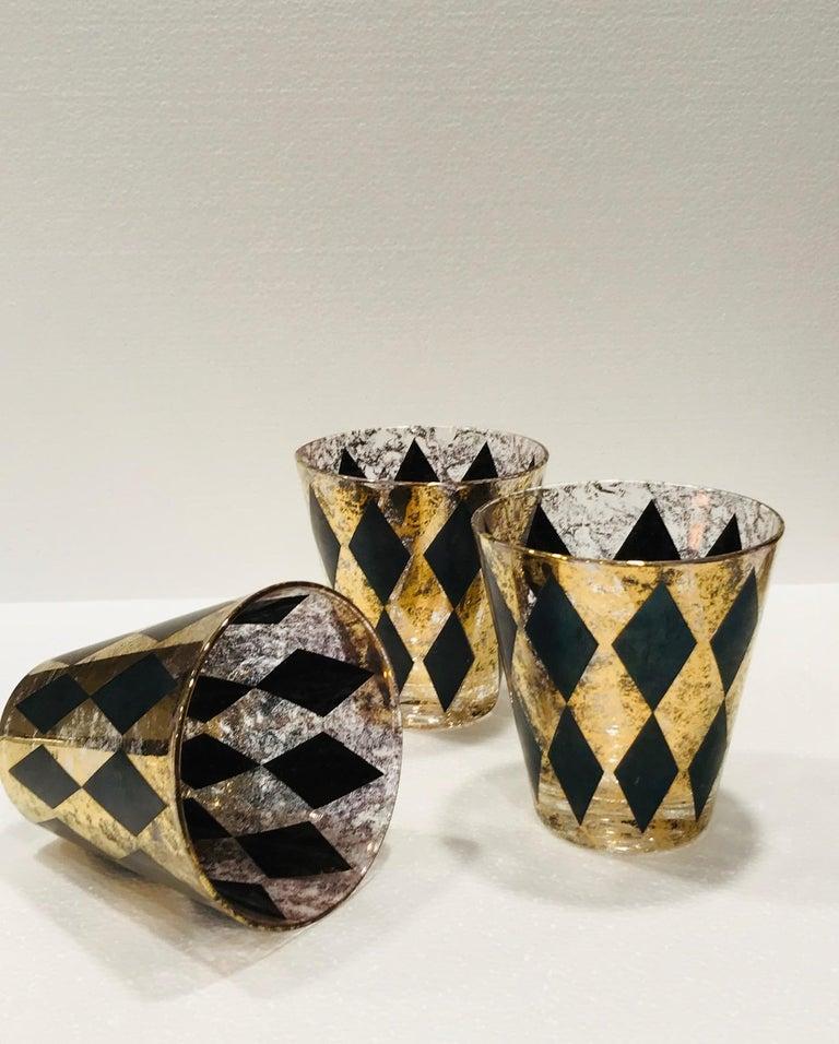 Set of Seven Hollywood Regency Barware Rock Glasses in Gold and Black, 1960s For Sale 2