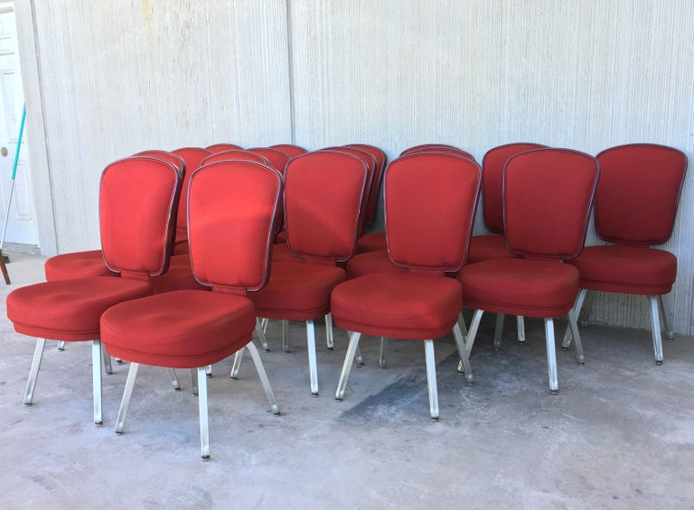 Mid-Century Modern Set of Seventeen Conference or Dining Chairs in Steel and Red Wool For Sale