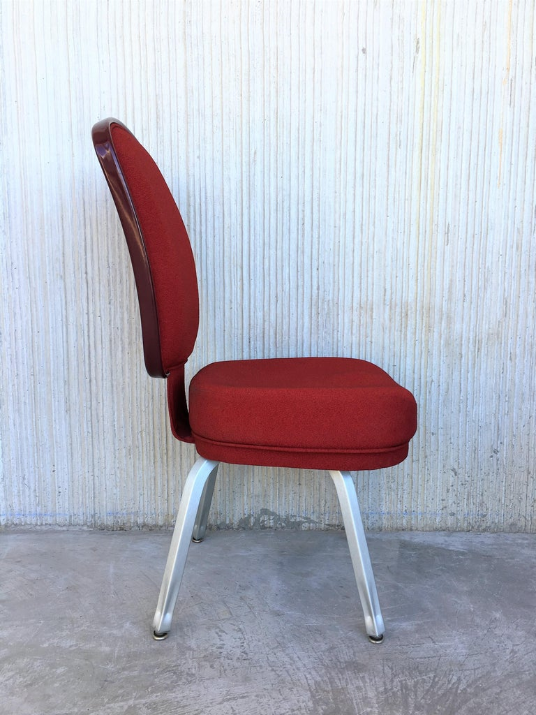 Set of Seventeen Conference or Dining Chairs in Steel and Red Wool In Excellent Condition For Sale In Miami, FL