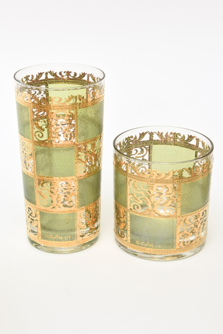 Mid-20th Century Set of Signed Culver Mid-Century Modern Glass and Gold Painted Barware For Sale