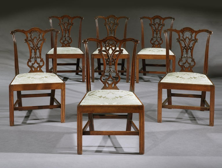 Set of Six 18th Century Chippendale Period George III Mahogany Chairs In Good Condition For Sale In London, GB