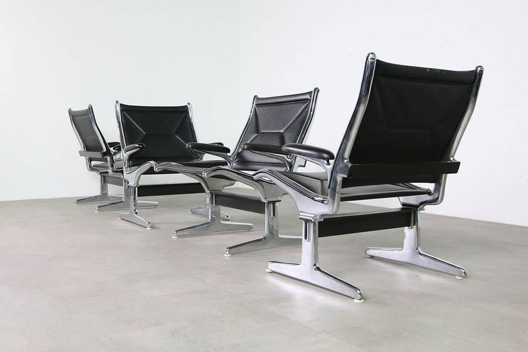 American Set of Six 1960s Charles Eames Airport Chairs for Herman Miller Black and Chrome For Sale