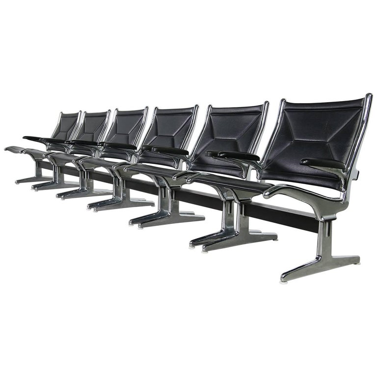 Set of Six 1960s Charles Eames Airport Chairs for Herman Miller Black and Chrome For Sale