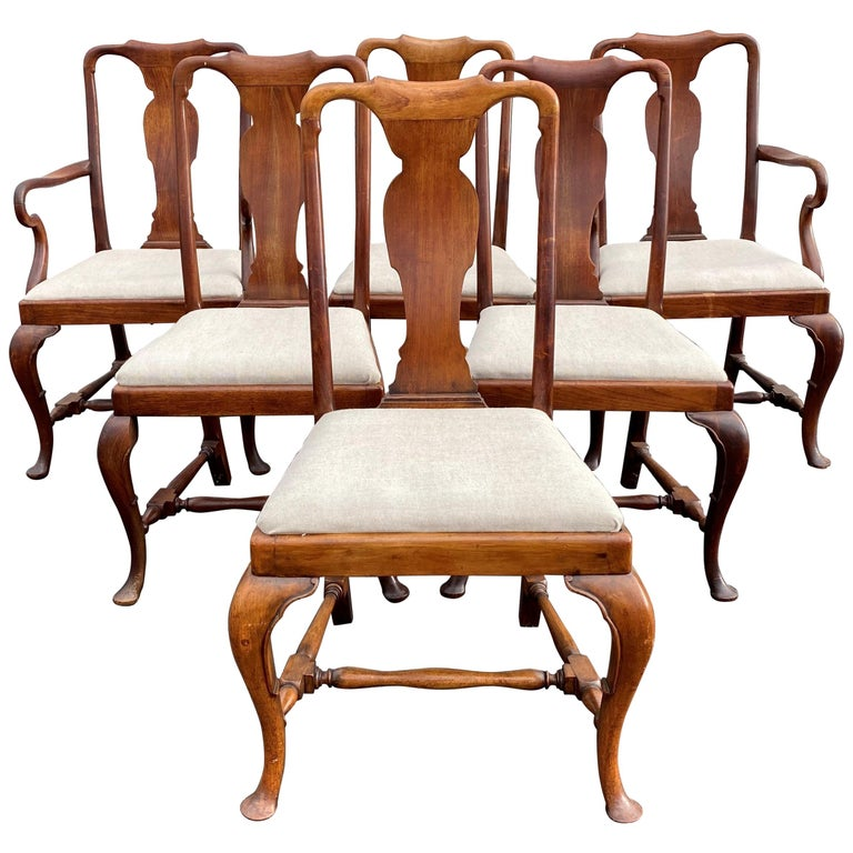 Set of Six 19th-20th Century Queen Anne Style Mahogany Dining Chairs For Sale