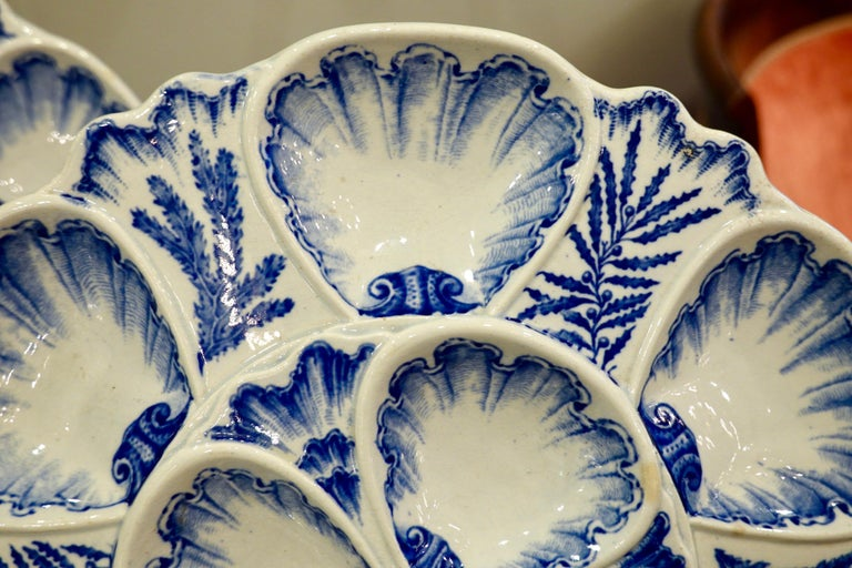 Set of Six 19th Century French Blue and White Oyster Plates from Bordeaux For Sale 4