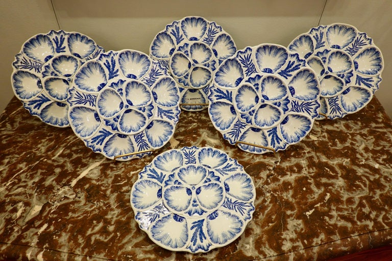 Set of Six 19th Century French Blue and White Oyster Plates from Bordeaux In Good Condition For Sale In Charleston, SC