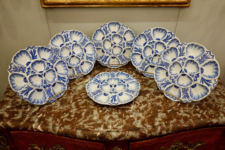 Set of Six 19th Century French Blue and White Oyster Plates from Bordeaux For Sale 1