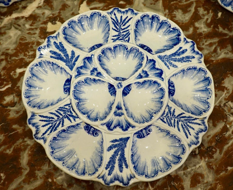 Set of Six 19th Century French Blue and White Oyster Plates from Bordeaux For Sale 2