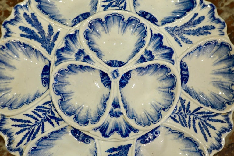 Set of Six 19th Century French Blue and White Oyster Plates from Bordeaux For Sale 3