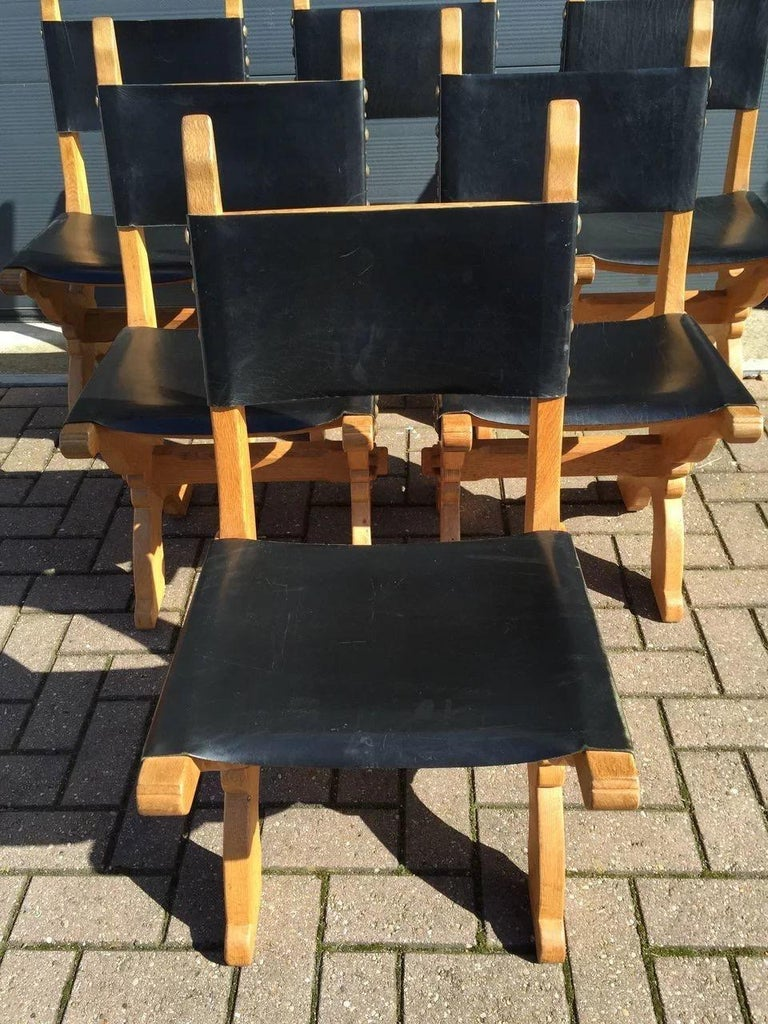 Set of Six Midcentury Era Handcrafted Solid Oak and Black Leather Chairs In Good Condition For Sale In Lisse, NL