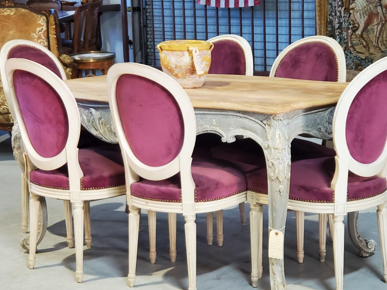 Set of Six Antique French Louis XVI Style Painted Side Chairs with Medallion Bac For Sale 14