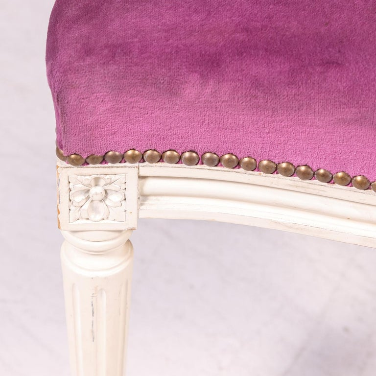 Set of Six Antique French Louis XVI Style Painted Side Chairs with Medallion Bac For Sale 2