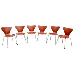Set of Six Arne Jacobsen Series 7 Chairs in Teak Produced by Fritz Hansen