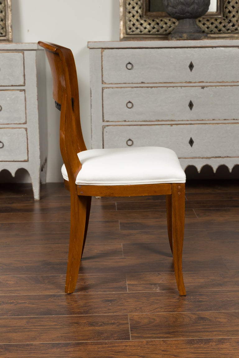 Set of Six Austrian 1880s Biedermeier Style Walnut Dining Room Side Chairs For Sale 4
