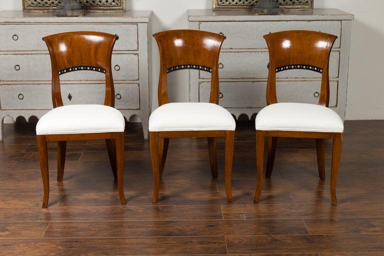 Set of Six Austrian 1880s Biedermeier Style Walnut Dining Room Side Chairs For Sale 5