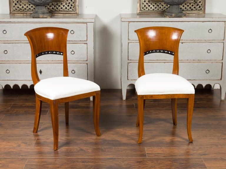 Set of Six Austrian 1880s Biedermeier Style Walnut Dining Room Side Chairs For Sale 6