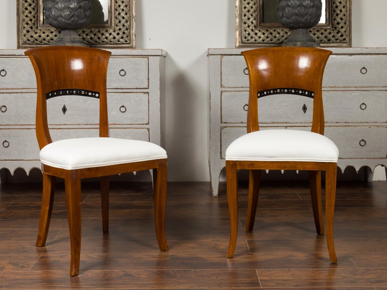 19th Century Set of Six Austrian 1880s Biedermeier Style Walnut Dining Room Side Chairs For Sale