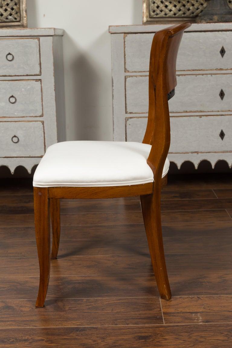 Set of Six Austrian 1880s Biedermeier Style Walnut Dining Room Side Chairs For Sale 2