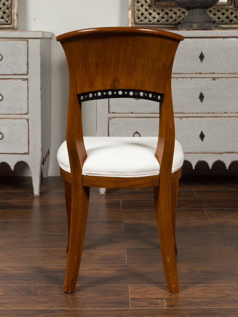 Set of Six Austrian 1880s Biedermeier Style Walnut Dining Room Side Chairs For Sale 3