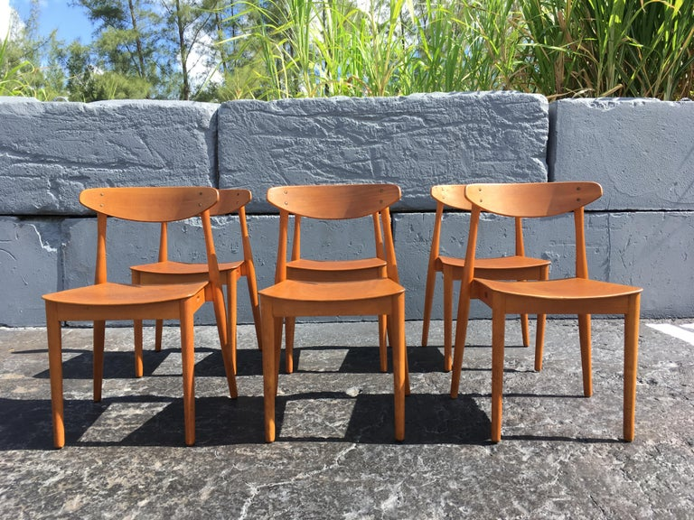 6 beautiful Danish dining chairs with bentwood seats and backs. Chairs are stackable.