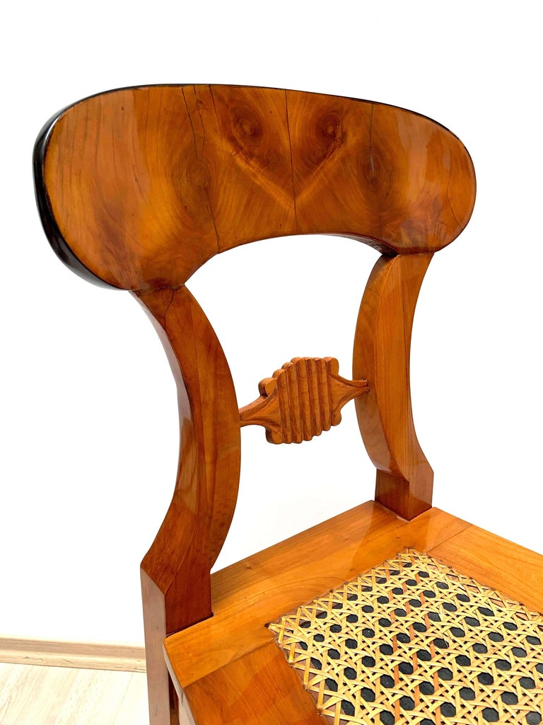 Set of Six Biedermeier Board Chairs, Cherry Veneer and Mesh, Vienna, circa 1830 For Sale 6