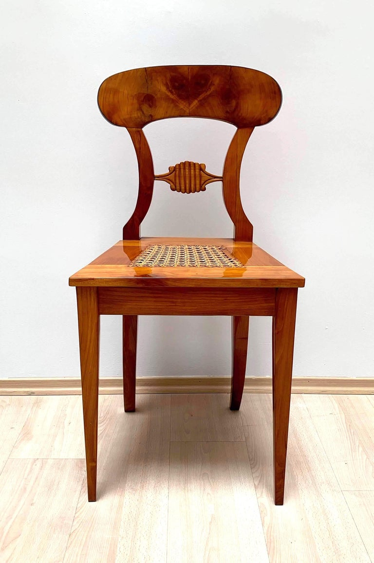 Set of Six Biedermeier Board Chairs, Cherry Veneer and Mesh, Vienna, circa 1830 For Sale 1