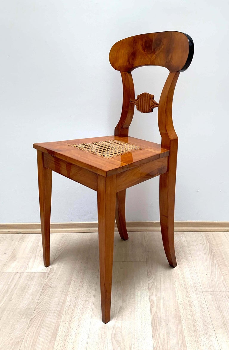 Set of Six Biedermeier Board Chairs, Cherry Veneer and Mesh, Vienna, circa 1830 For Sale 2
