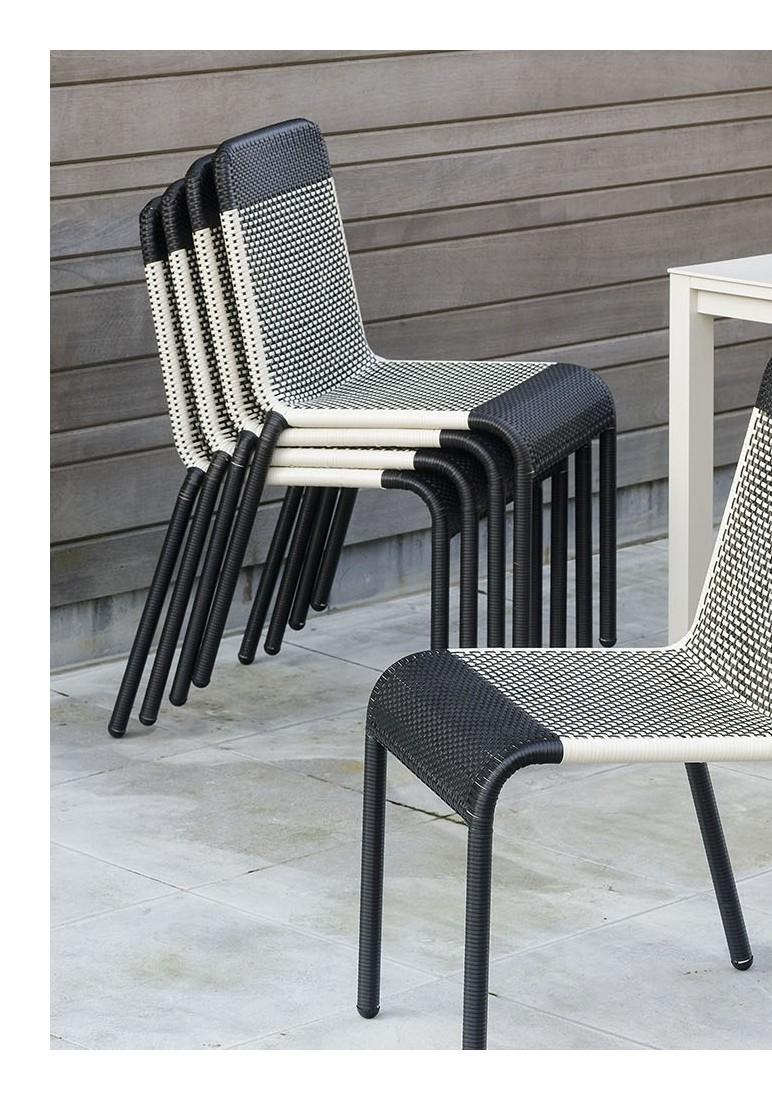 Set Of Six Black And White Resin Stackable Chairs At 1stdibs