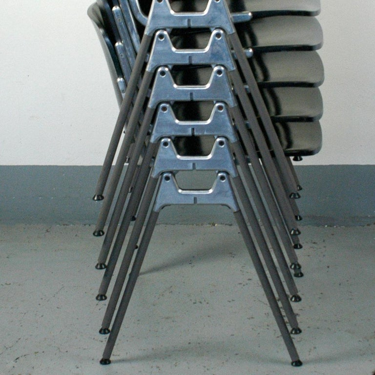 Mid-Century Modern Set of Six Black Lacquered Castelli Dsc 106 Stacking Chairs by Giancarlo Piretti For Sale