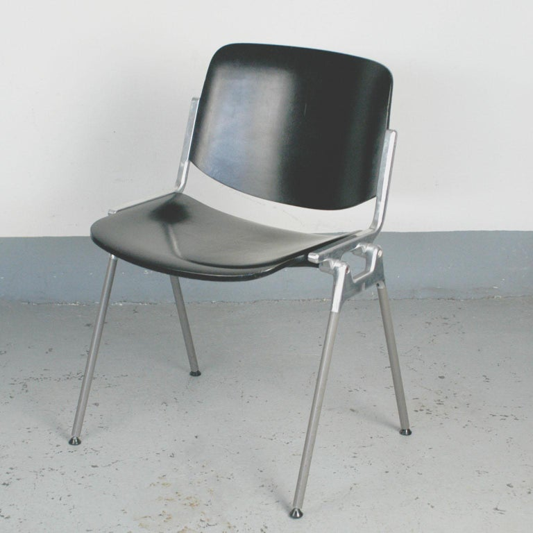 Set of Six Black Lacquered Castelli Dsc 106 Stacking Chairs by Giancarlo Piretti In Good Condition For Sale In Vienna, AT