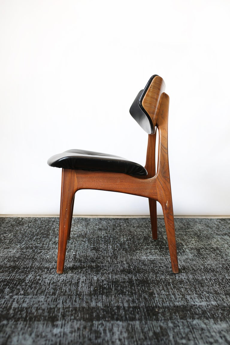 Set of Six Danish Modern Teak and Black Leather Dining Chairs, circa 1960s For Sale 5