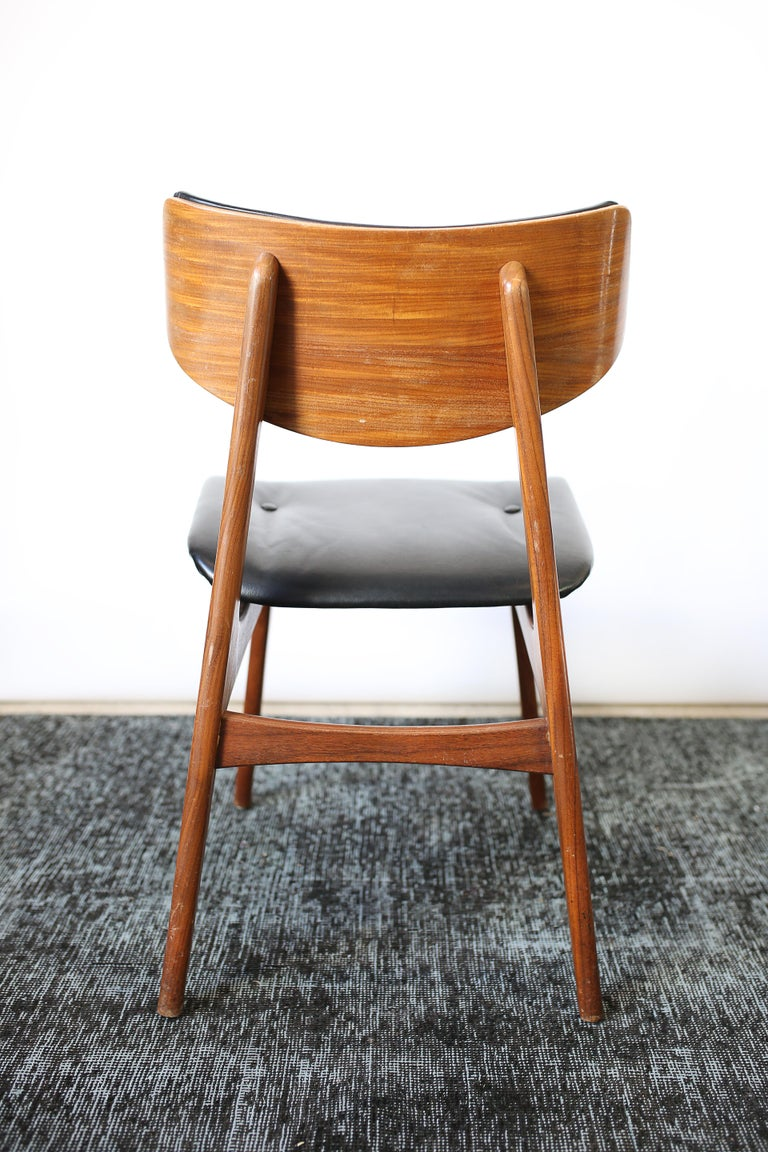 Set of Six Danish Modern Teak and Black Leather Dining Chairs, circa 1960s For Sale 8
