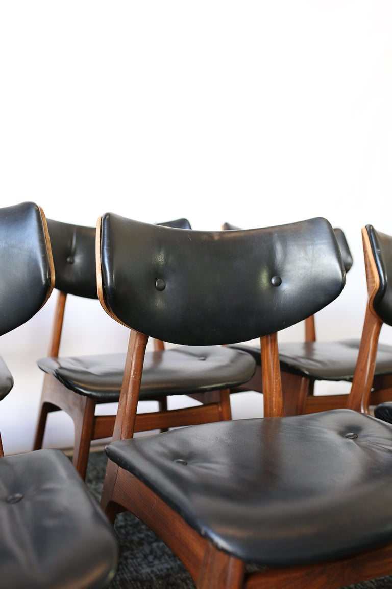 Set of Six Danish Modern Teak and Black Leather Dining Chairs, circa 1960s For Sale 1