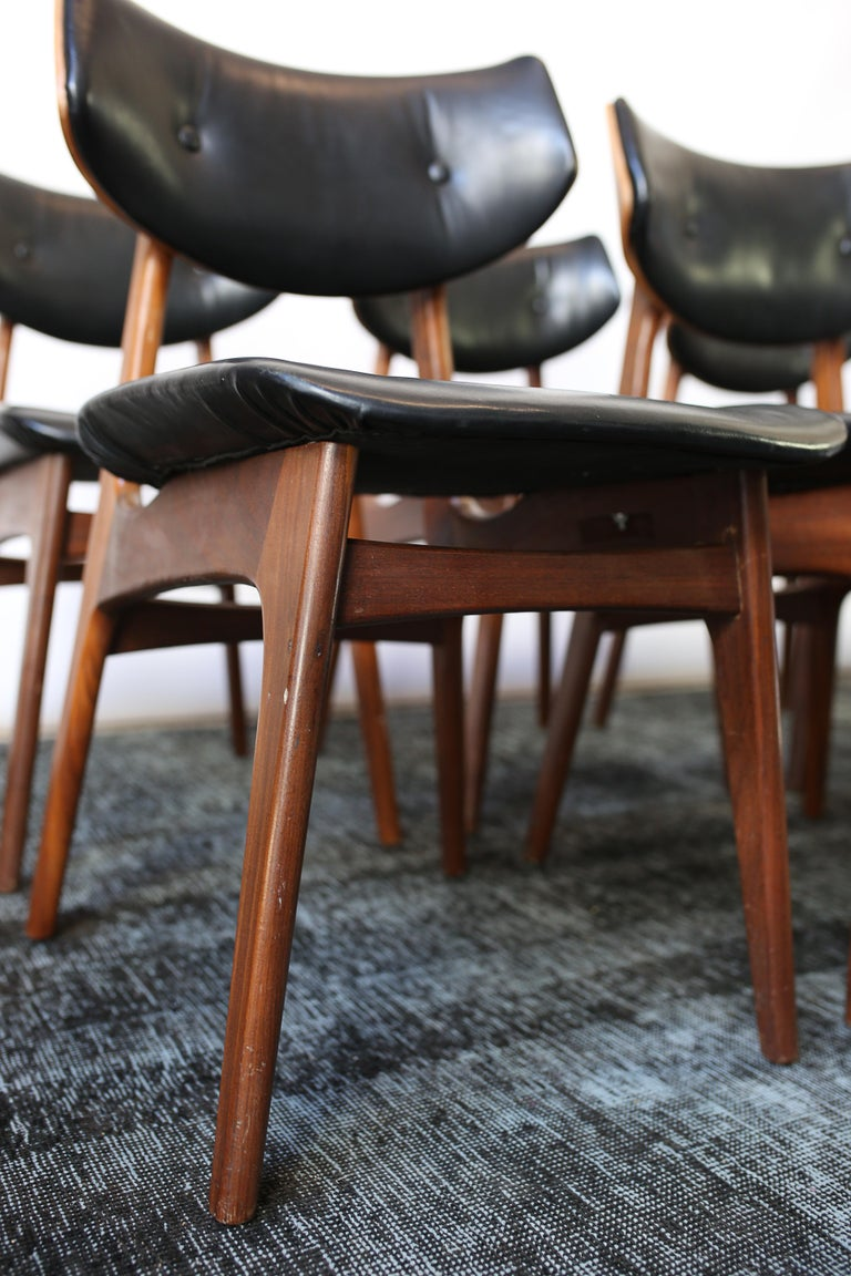 Set of Six Danish Modern Teak and Black Leather Dining Chairs, circa 1960s For Sale 2