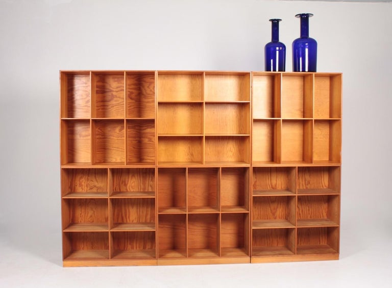 Set of Six Bookcases in Pine by Mogens Koch, Danish Design, Midcentury, 1950s In Good Condition For Sale In Lejre, DK