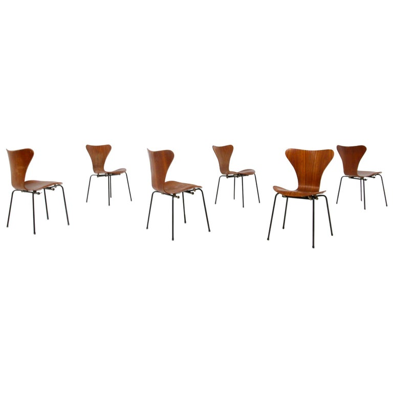 Set of Six Chairs by Arne Jacobsen M. Butterfly for the Brazilian Airline, 1950s For Sale