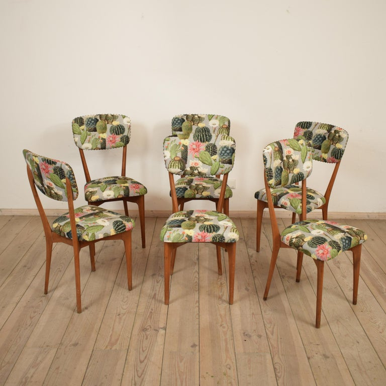 This set of 6 chairs where designed Ico Parisi in the 1950s and produced by Figli de Amadeo de Cassina. The chairs are new upholstered. 