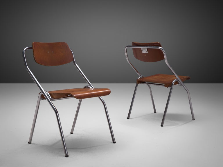 Mid-Century Modern Set of Six Chairs with Tubular Frame For Sale