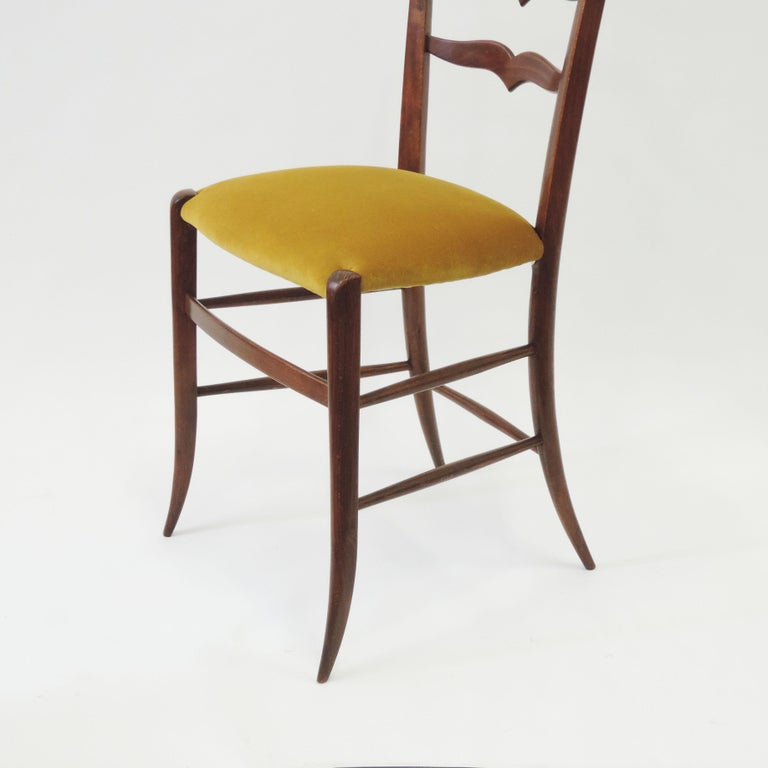 Mid-Century Modern Set of Six Chiavari Dining Chairs in Wood and Yellow Velvet Seat, Italy, 1950s For Sale