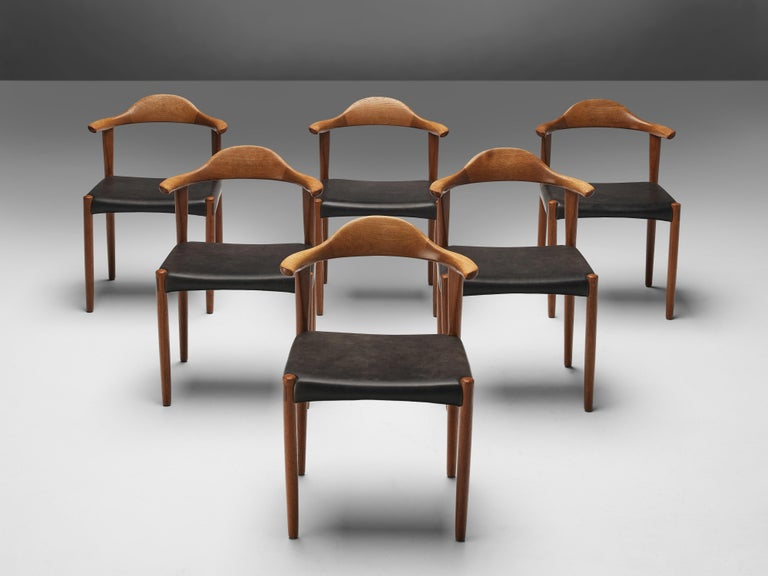 Set of Six Danish 'Cow Horn' Dining Chairs in Teak and Black Leather In Good Condition In Waalwijk, NL