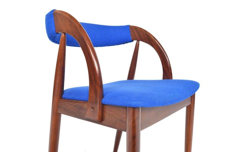 Scandinavian Modern Set of Six Danish Mid-Century Modern Walnut Dining Chairs