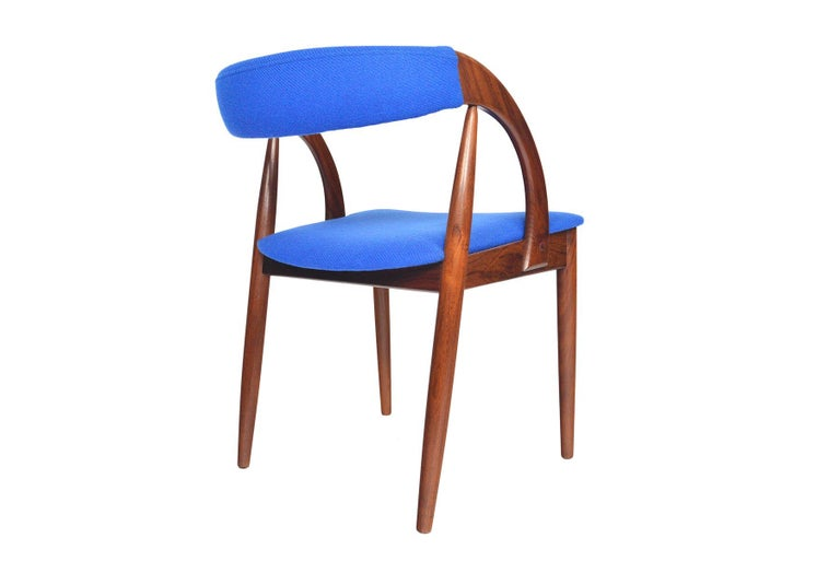 Set of Six Danish Mid-Century Modern Walnut Dining Chairs 1