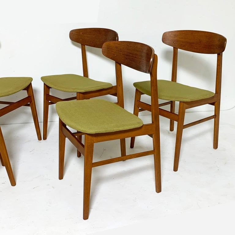 Scandinavian Modern Set of Six Danish Teak Dining Chairs by SAX, circa 1960s
