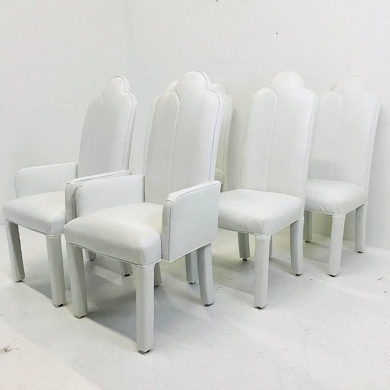 Mid-Century Modern Set of Six Deco Parson Style White Vinyl Dining Chairs For Sale